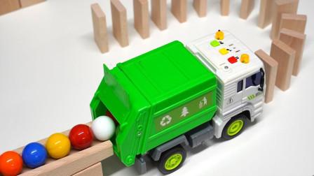 弹珠怎么从积木轨道跑到玩具车里?可是它撞倒了很多小积木吗?