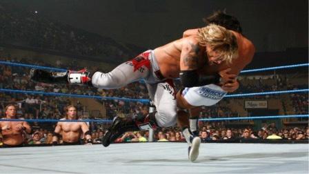 小日本挑战刀锋艾吉的世界冠军,艾吉使出墓碑钉头绝杀!
