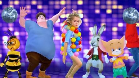 小萝莉穿自己制作的衣服去舞厅跳舞,好棒呀