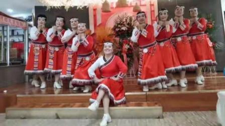 香儿广场舞【北京金山上,洗衣歌】12人队形舞蹈.
