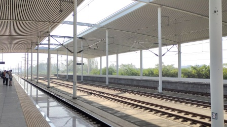 G108(嘉兴南-北京南)滁州站两道通过CR400BF-B日期2021/10/01-09:24:35
