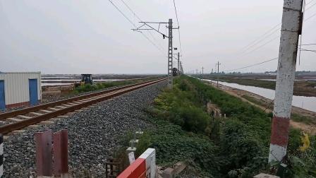 【2021.08.09】益羊铁路DF4B7576牵引油罐通过道口