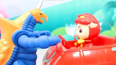 猪猪侠遇到怪兽袭击,武装精灵发动必杀技维护正义