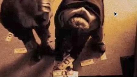 外星人来到地球,不用银行卡,就能取走取款机里的钱