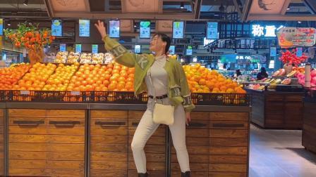 好不容易来趟超市,跳支舞吧,大家觉得尴尬吗