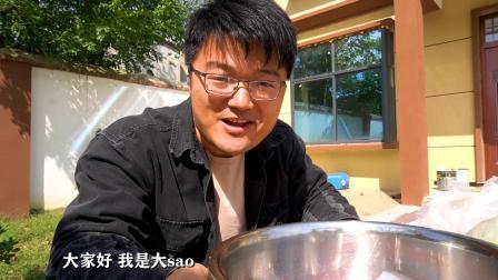 入冬前,吃第一顿杀猪菜,4斤猪肉1斤面饼,连汤底都不放过,真