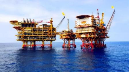 攻克世界难题,千米钻井直冲南海海底,中国一千亿方气田成功出气