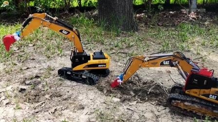 遥控工程车,两辆挖掘机比赛挖坑