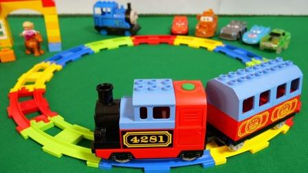 彩色托马斯环形轨道玩具拆盒,托马斯和他的朋友们