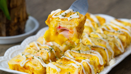 鸡蛋又有新吃法!多加一步,全家抢着吃土豆泥蟹柳厚蛋烧--上班族无log