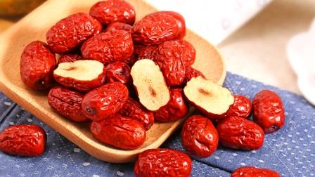 女性早晨空腹吃几颗红枣,坚持一段时间以后,三大好处或不请自来