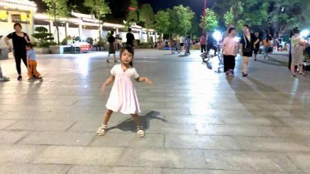 舞蹈《二十年后再相会》这是5岁孩子吗?太厉害了!