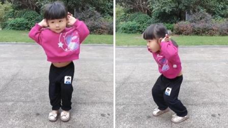 2岁小姑娘跳舞视频走红,背后的百万摄影师让人万万没想到