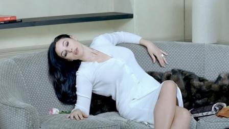 意大利女神莫妮卡贝鲁奇,大胆挑战从影底线,剧情过瘾毫不避讳