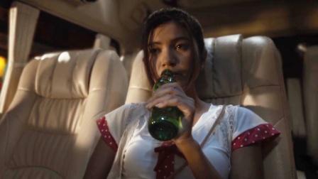 女孩第一次出远门,喝下陌生人递的饮料,再醒来时已身处深渊
