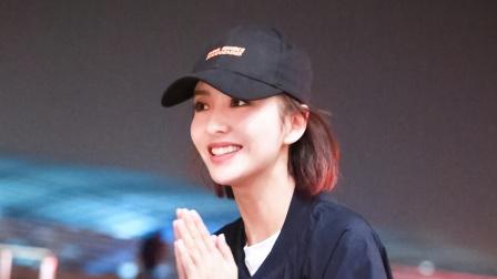 上海:佟丽娅高开叉长裙性感优雅 自曝将进组拍戏