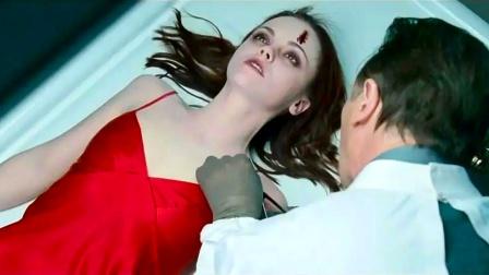 女子明明还活着,入殓师却说她死了,还给她注射防腐剂!