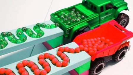 酷!翻斗车运来100颗弹珠,能装进工程车、挖掘机、卡车吗?