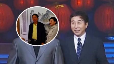 63岁冯巩遭女粉丝搂腰合影 吓得连忙推开