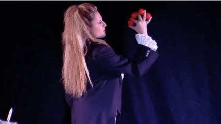 意大利青年女魔术师 Rosy Celotto 版3