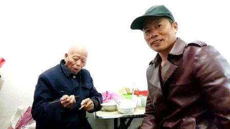 深圳大衣哥王文正为了爸爸妈妈在一起【为了谁】唱歌让爸爸快乐的生活!