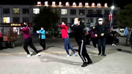 冷天大家就跳简单动感的集体舞《单曲循环》热身效果好