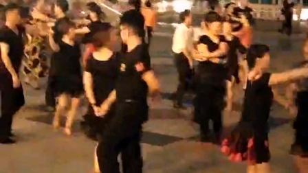 妙手杏林,与中国梦舞蹈队,跳交谊舞