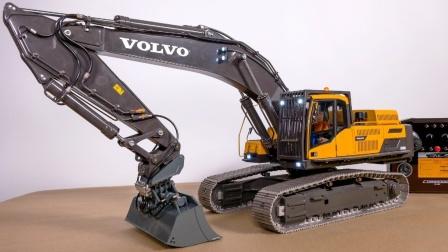 演示操作大臂展挖掘机玩具