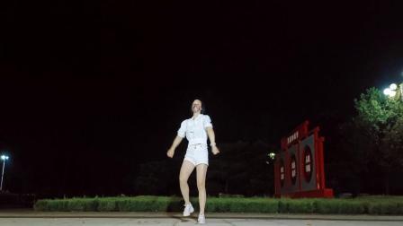 爆火网红动感时尚流行风《米娜》简单好看太火了带劲