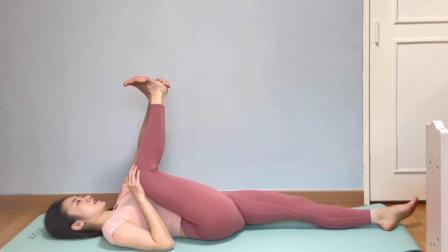 开胯拉伸排毒,深入感受盆底肌强韧,最好每天练习15分钟