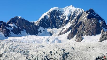 《荒野大镖客2》真实游戏,阿尔卑斯美景欣赏
