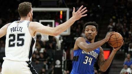 NBA常规赛-瓦塞尔19分 珀尔特尔12+13 马刺7人上双