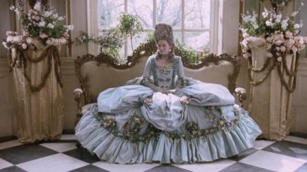 被女王宠爱的贵族少年,突然变女儿身,400年后才恍然大悟
