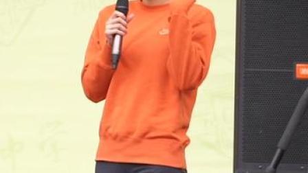 #全运会冠军刘湘走进广州执信中学 #刘湘分享打破亚洲纪录的心路历程 :即便遭遇挫折,唯有坚持,才能再次获得胜利