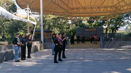 海韵舞蹈队练习水兵舞二十套一拖二