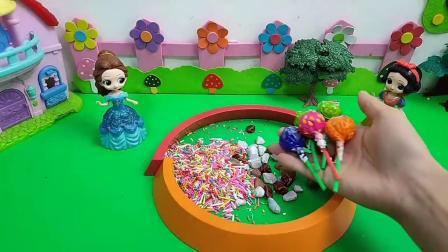 玩具故事:小白雪也想要好吃又好看的糖果呀!