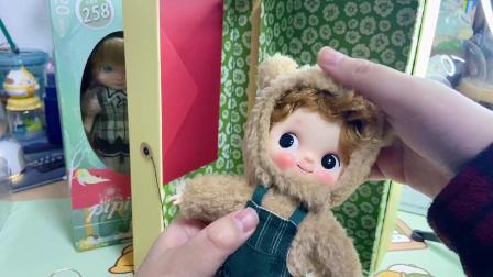 芭萨卡玩偶和pipitom皮皮糖 8分胶皮娃娃开箱