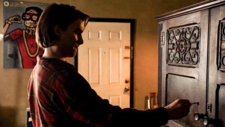 男子家里有个奇怪木柜,一旦将活物放进去,再次打开会大变样