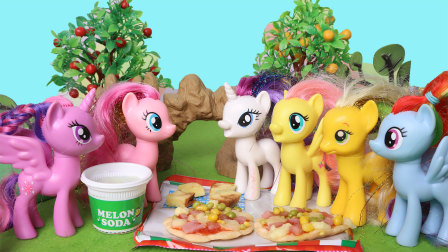 小马宝莉碧琪制作食玩芝士披萨