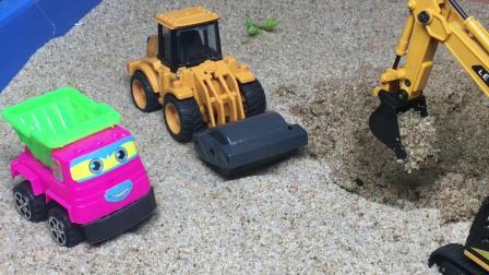 工程车故事:翻斗车遇难,挖掘机帮忙解决了烦恼