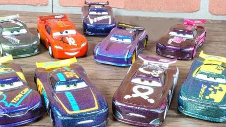 炫彩缤纷的赛车总动员金属汽车玩具