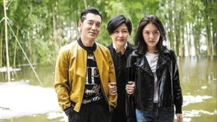 哈文母女悼念李咏去世三周年 女儿法图麦发文让人泪目
