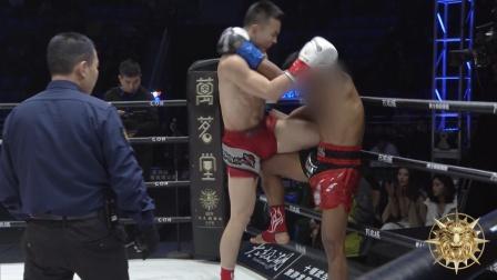这一记顶膝防不胜防 泰拳王秒出痛苦面具!