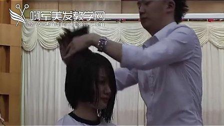 美女发模一头中长发剪成沙宣短发B