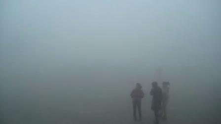 辽宁锦州遭受大雾袭击