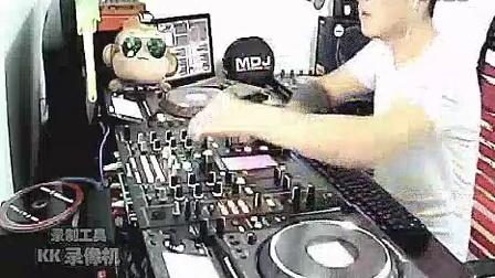 DJ帅哥主播DJ光头