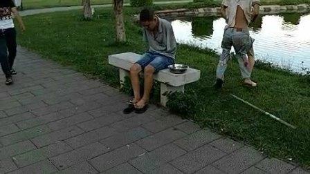 谁是乞丐?.mp4