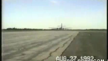 非洲奈及利亚航空失控坠毁!
