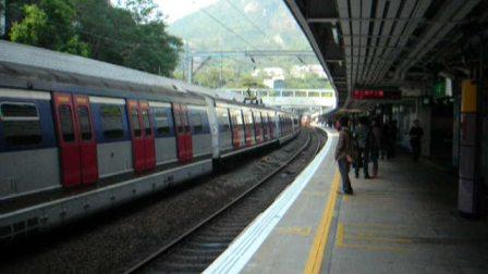香港铁路 邮政及货运列车 通过九龙塘站 MTR Freight Train