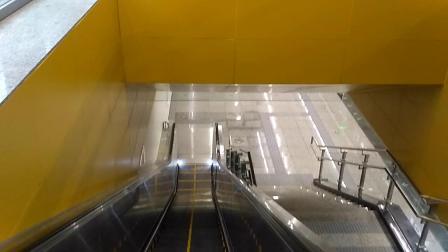 重庆地铁环线海峡路站自动扶梯站厅至站台